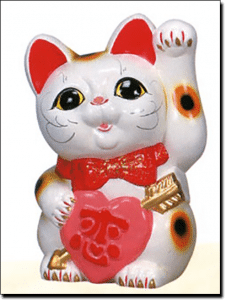 Lucky Japanese fortune cat gambling superstitions