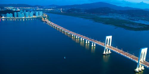 Bridge of Death from Macau to Hong Kong